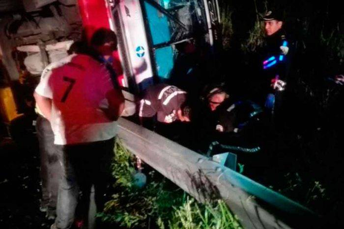 Accidente de tránsito en Ecuador deja 4 muertos y 24 heridos