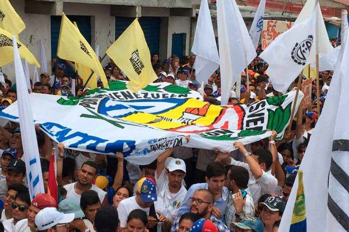 Adecos en Mérida deciden ir a elecciones de Consejos Legislativos y Concejos Municipales