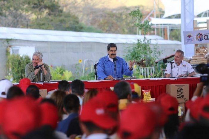 Maduro celebra 2 años de los CLAP y asegura que sanciones de EEUU son un honor