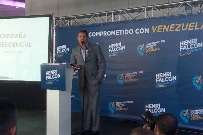 Falcón se reunió con representantes de la MUD y el PSUV en oriente