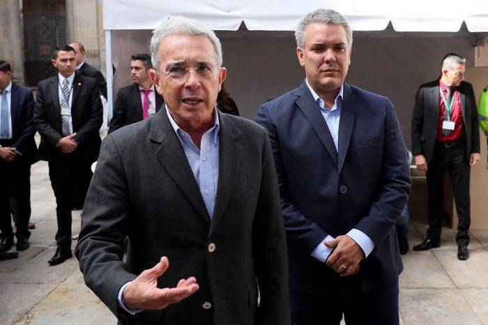 Álvaro Uribe Vélez senador Colombia