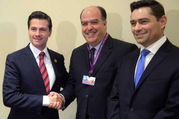 Representantes de la oposición se reunieron con el presidente de México