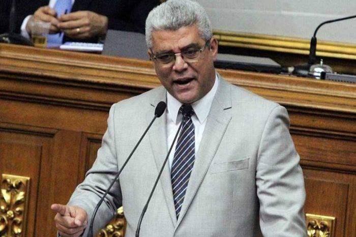 Marquina pide esclarecer las condiciones de Requesens durante interrogatorio