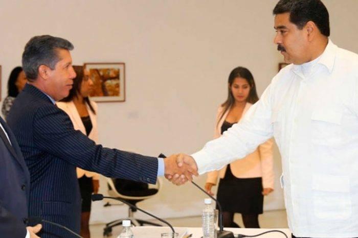 La propuesta de los cancilleres, la del Gobierno, la de la MUD y lo que firmó el CNE