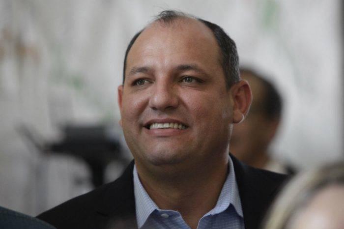 """Gobierno evaluará que las universidades del país no """"dolaricen"""" las matrículas"""