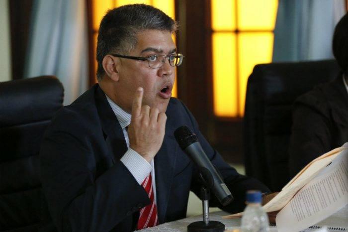 Jaua pide cautela ante nombramiento de Mike Pompeo como Secretario de Estado