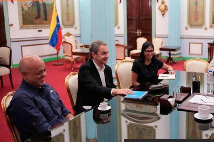 El frente, el régimen y la farsa, por Freddy Núñez