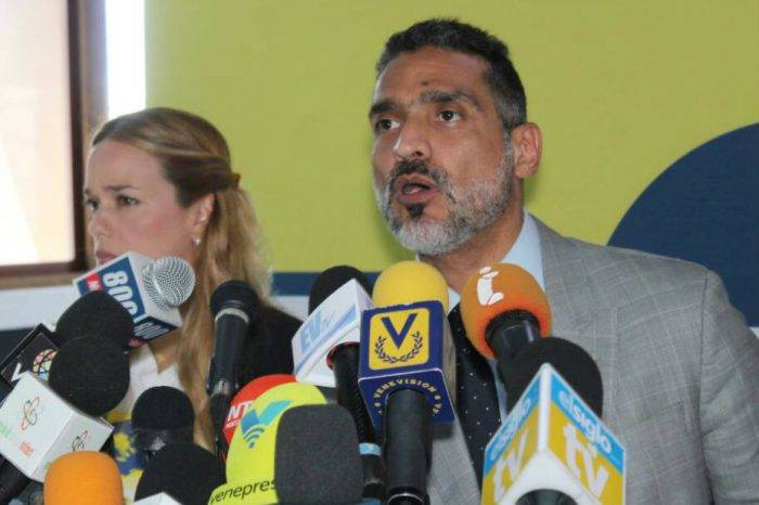 Defensa de López dice que no hay orden para que Sebin ingrese a su residencia