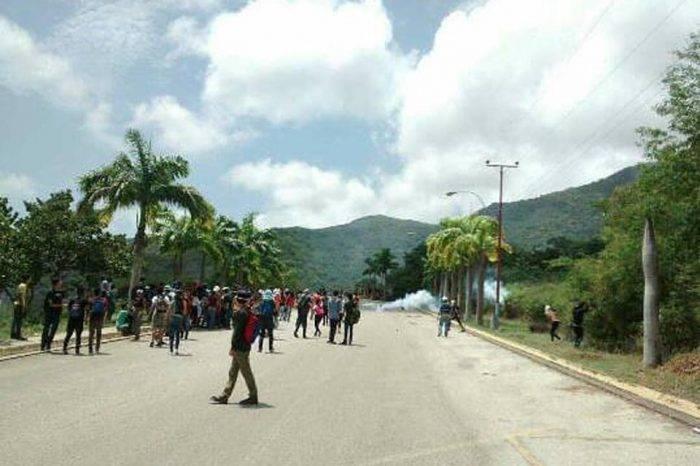 Guardia Nacional en Nueva Esparta reprimió protesta por comida y transporte en la UDO