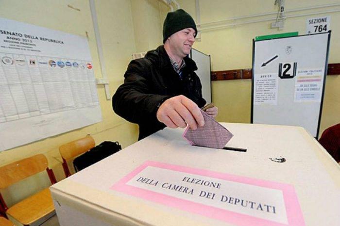 Anulación de papeletas y retrasos han marcado jornada electoral en Italia