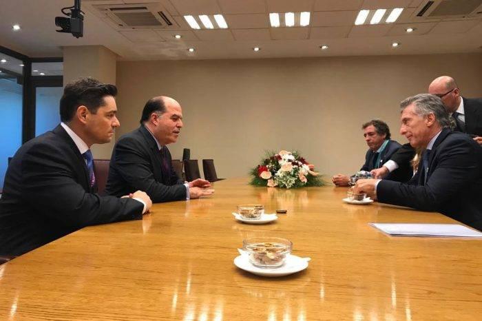 Borges y Vecchio se reunieron con presidente Mauricio Macri en Chile