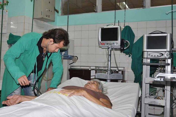 FMV asegura que 22.000 médicos abandonaron el país en los últimos 14 años