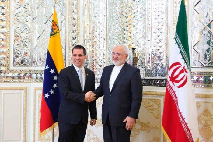 """Arreaza se reúne con canciller iraní para """"nuevas alianzas"""""""