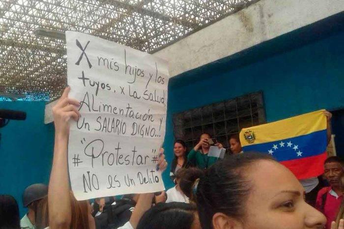 Trabajadores de la salud pública protestaron en distintos estados del país