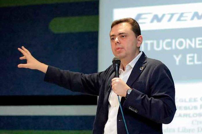Antonio Ecarri: Caracas se hunde en el caos por falta de atención y prevención