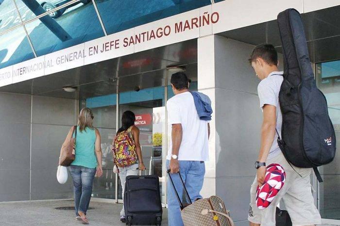 Un pasaje aéreo para la Isla de Margarita cuesta 150 dólares