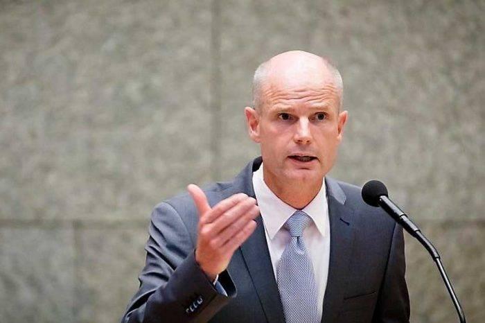 Países Bajos apoyará a Curazao para tratar a los refugiados venezolanos