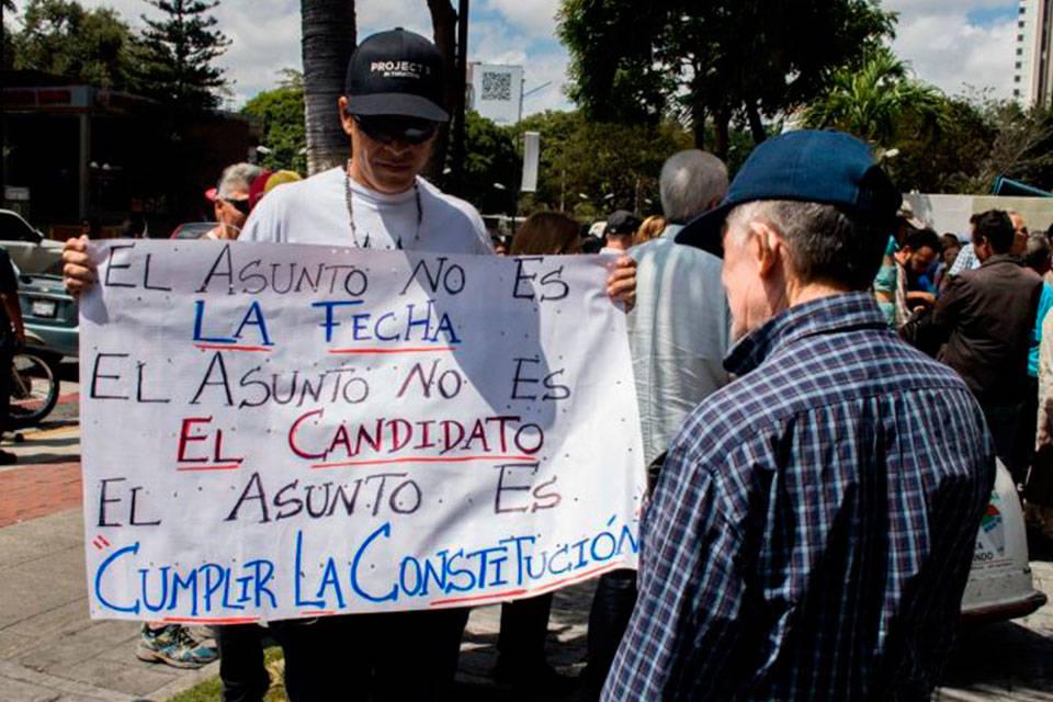 Cumplir la Constitución. Foto: Efecto Cocuyo