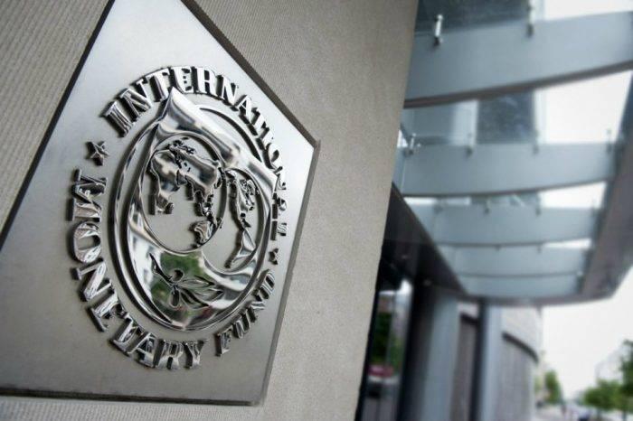 FMI prevé contracción económica venezolana de 15% en 2018
