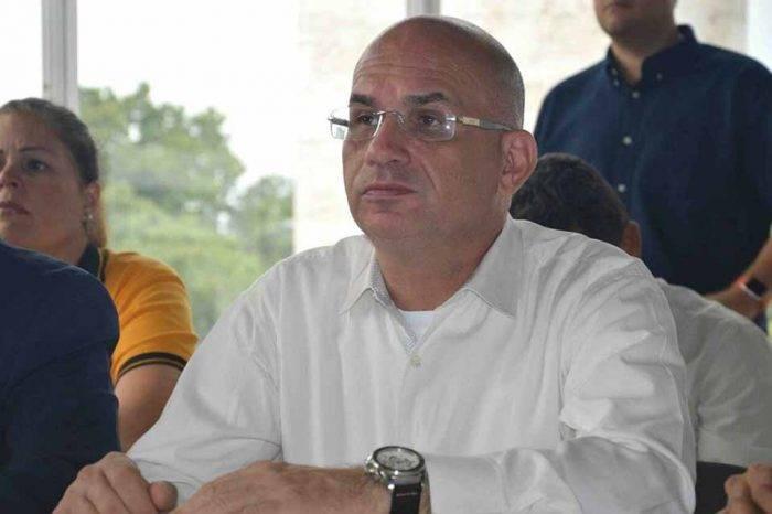 Diputado José Antonio España informó que dio positivo por coronavirus