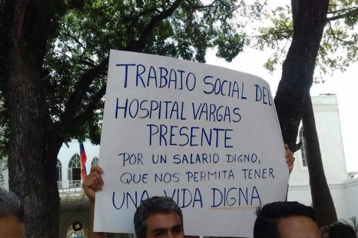 """Médicos en Caracas """"no comen cuento"""" y piden a Maduro que envíe medicinas e insumos"""