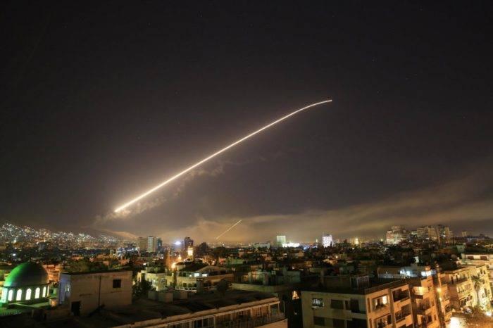 """EEUU """"alaba"""" su ataque a Siria mientras Rusia pide que cese el bombardeo"""