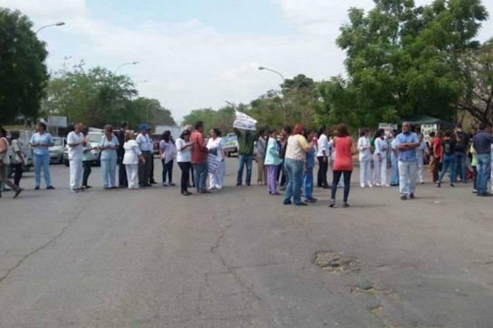 """Otorgan medida de """"arresto domiciliario"""" para médico detenido por el Sebin en Aragua"""