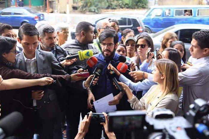 Diputado Pizarro denuncia que sectores Petare tienen más de dos meses sin agua