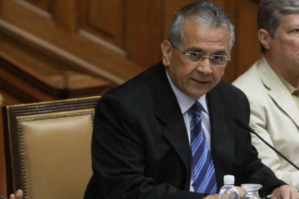 Rodrigo Cabezas ley antibloqueo
