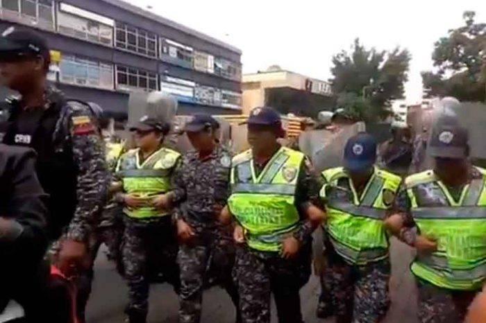 PNB impidió a manifestantes opositores concentrarse en la plaza Brión de Chacaito