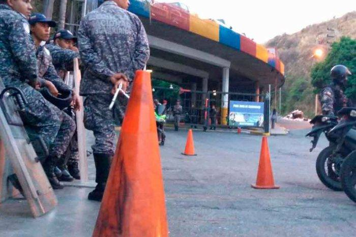 Familiares de presos políticos en El Helicoide temen represalias