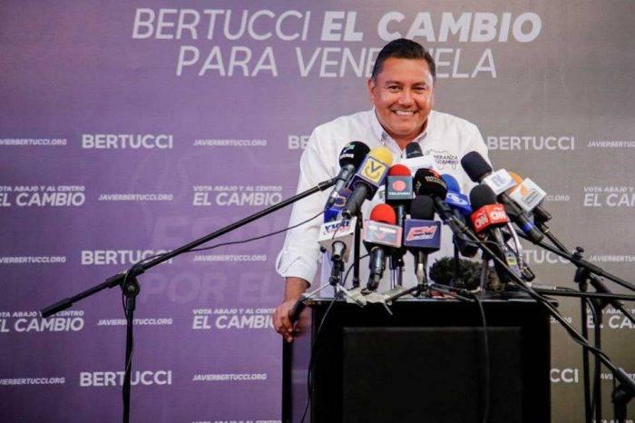 """""""No juguemos más con esto"""", el reclamo de Bertucci para lograr la adhesión de Falcón"""