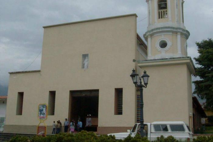 Invaden instalaciones de la parroquia Nuestra Señora del Carmen en Mérida