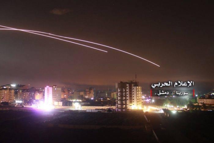 Al menos 23 personas murieron en Siria durante supuesto bombardeo israelí