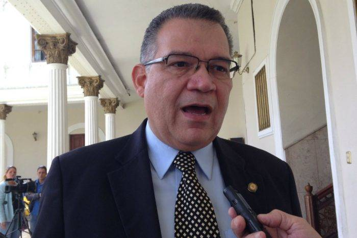 Márquez Enrique CNE
