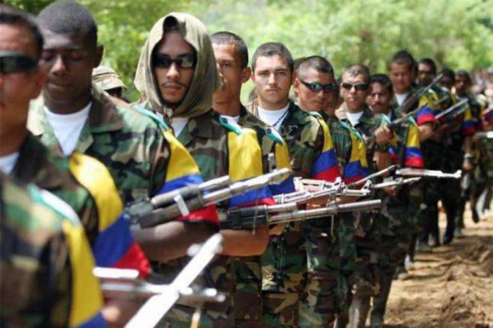FARC denuncia asesinato de uno de sus miembros en la frontera con Venezuela