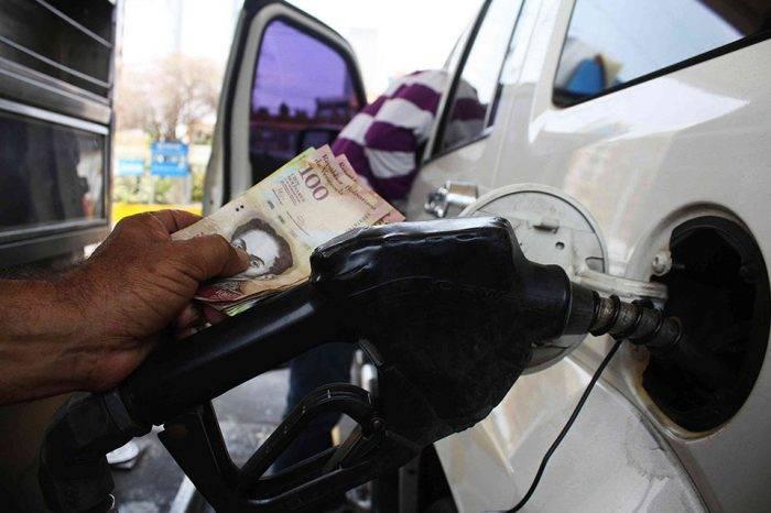 'Constituyente' adelanta que gasolina podría costar Bs 50.000 actuales por litro