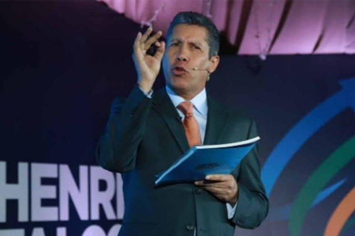 Economistas y políticos aseguran que plan de Henri Falcón ayudará a reconstruir el país