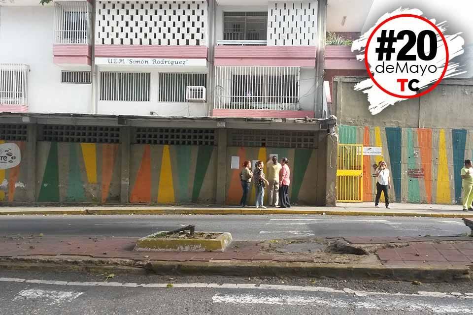 Centro de votación en urbanización Horizonte
