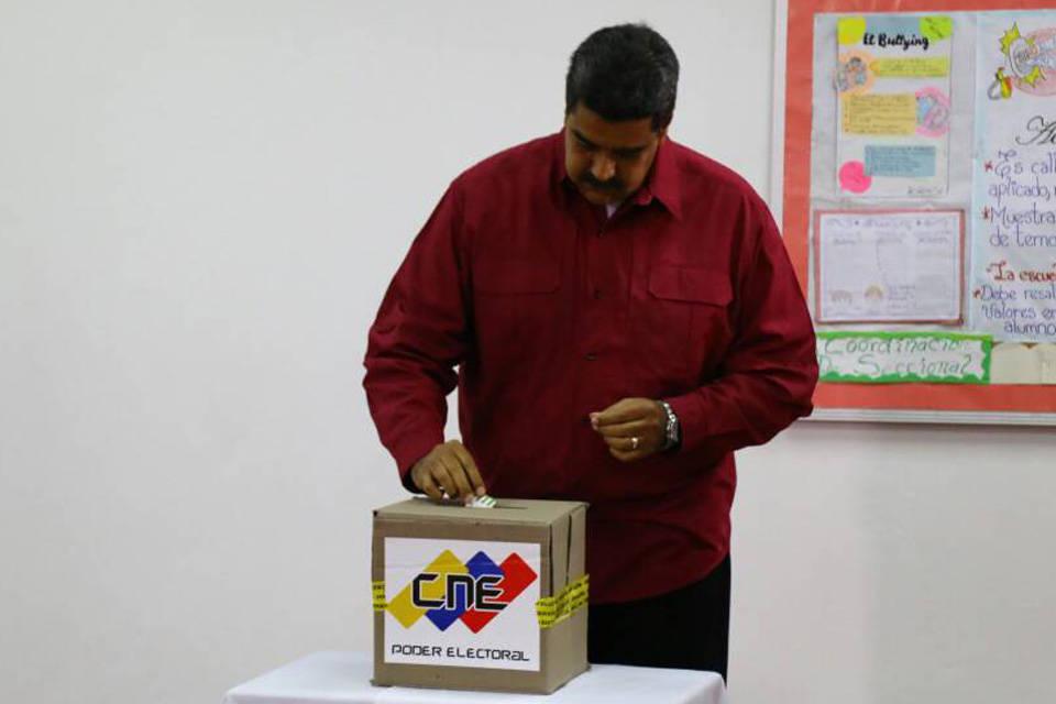Maduro vota