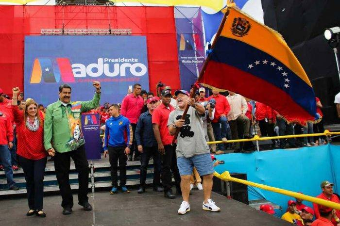 Nicolás Maduro Cilia Flores Diego Maradona