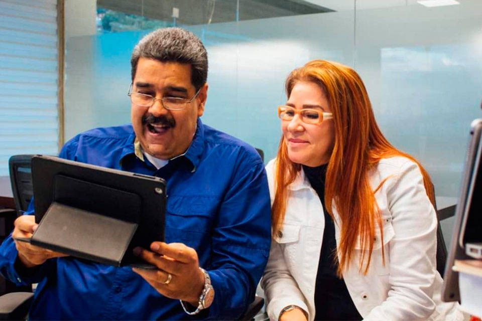 Nicolás Maduro y Facebook live. Foto: El Venezolano