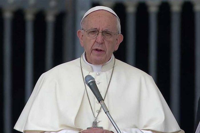 El Papa Francisco pide paz social en Ecuador
