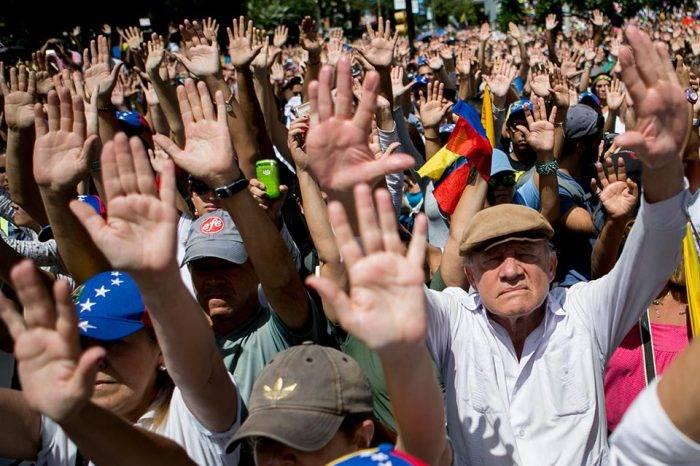 Protesta oposición. Foto: El Billuyo