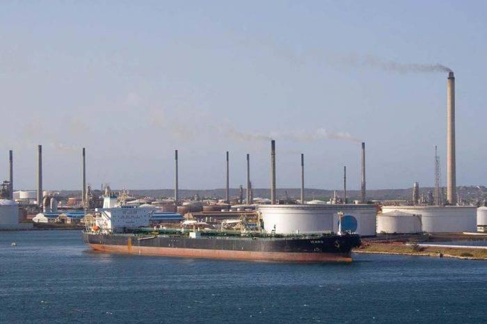 Corte de Aruba levanta embargo de Conoco contra cargamentos de crudo venezolano