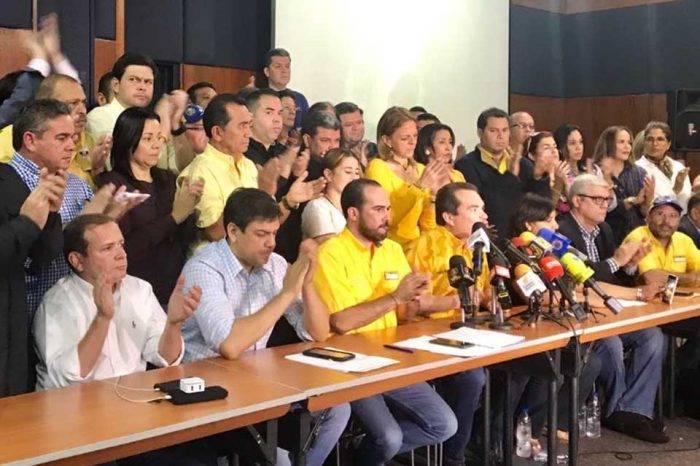 """Líderes de PJ señalan como """"traidores"""" a diputados que solicitaron intervención"""