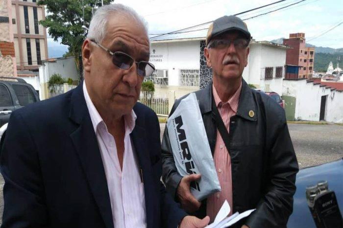Sentencian a teniente de la GN por quemar su carnet de la patria