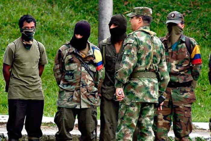 Fiscal de Colombia dice que disidencias de FARC delinquen desde Venezuela