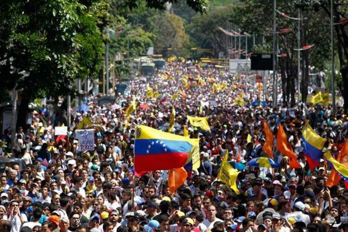 Marcha opositora. Venezuela