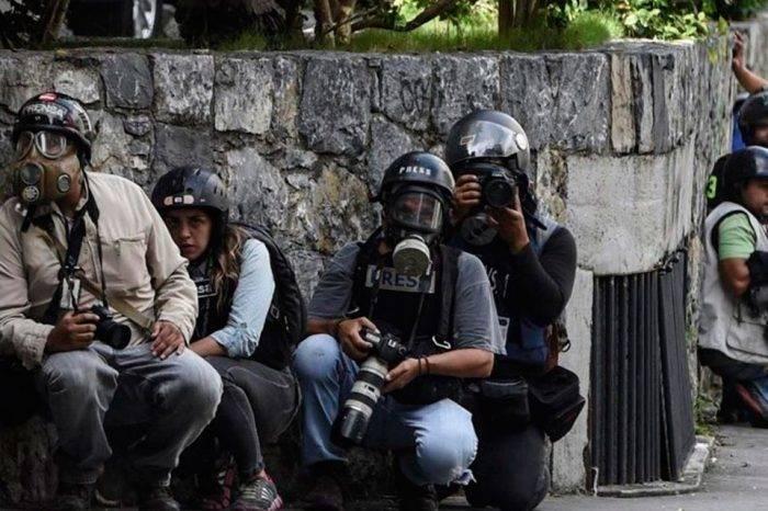 FAES asedia a periodista en Catia